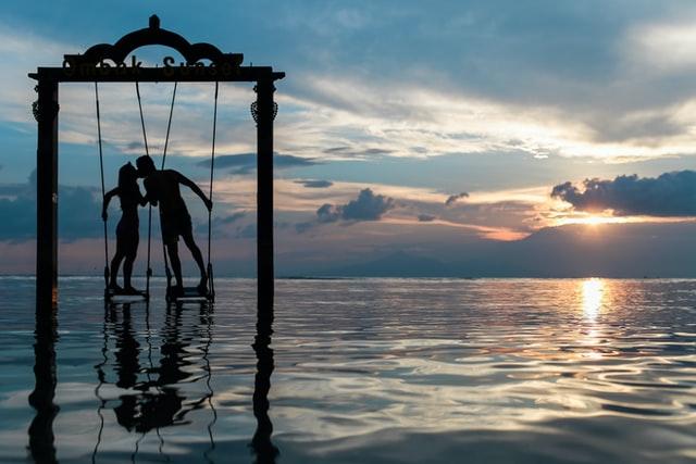 O lásce  a  vztahu sama k sobě